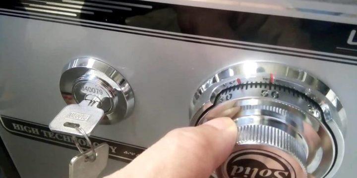 К кому обратиться, если нужно открыть сейф?
